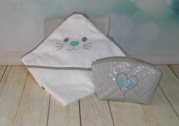 Toalla de bebé capucha con orejas conjuntito y neceser mini en gris-verde menta