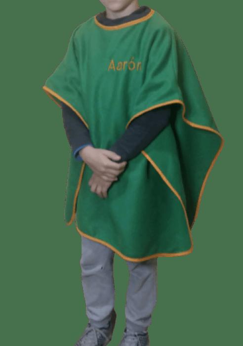 Manta poncho para el cole personalizable