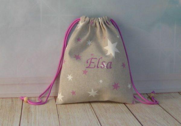 Saquito personalizado para el cole bordado lila